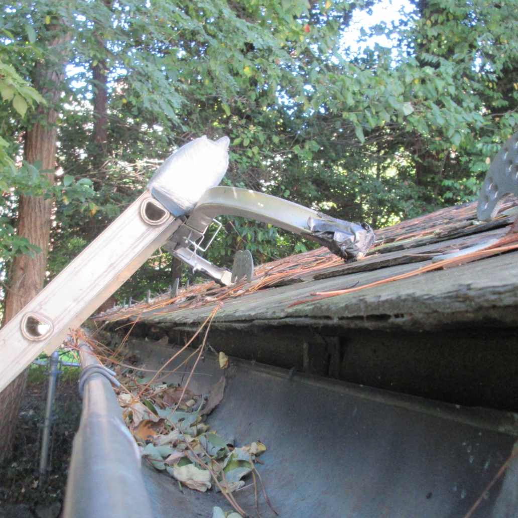 slate wood roof gutter cleaning 2