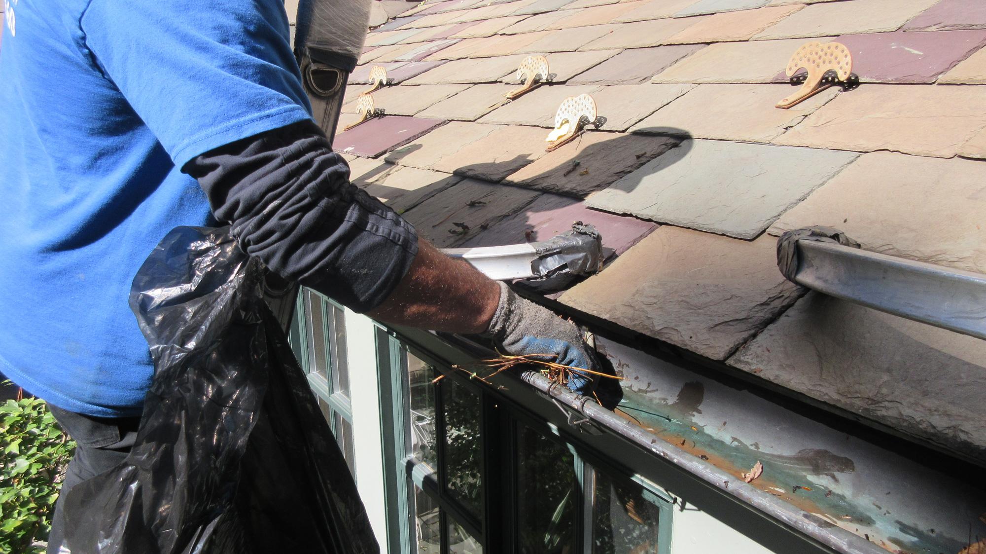 Keltom Gutters Gutter Cleaning Slate Amp Wood Roofs